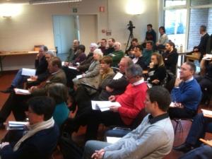 Vue du public pendant la présentation du texte.