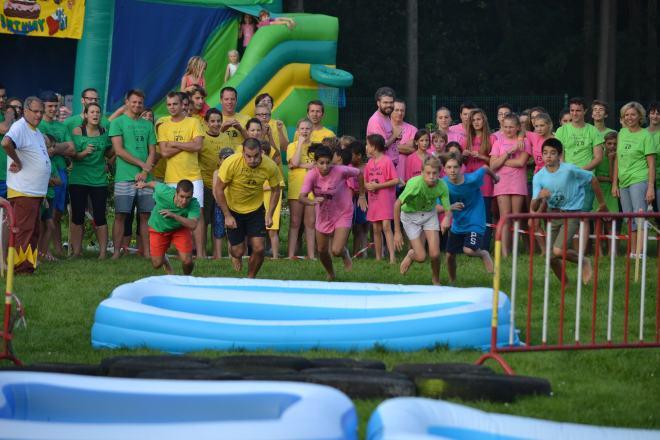 """Et c'est parti pour la course """"piscine""""! Photo famille Lago-Borrego"""