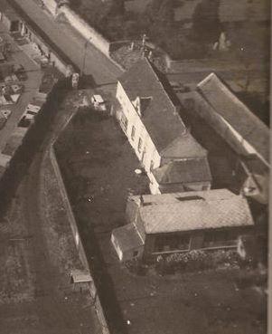 Zoom sur ce bâtiment (fin des années 60)