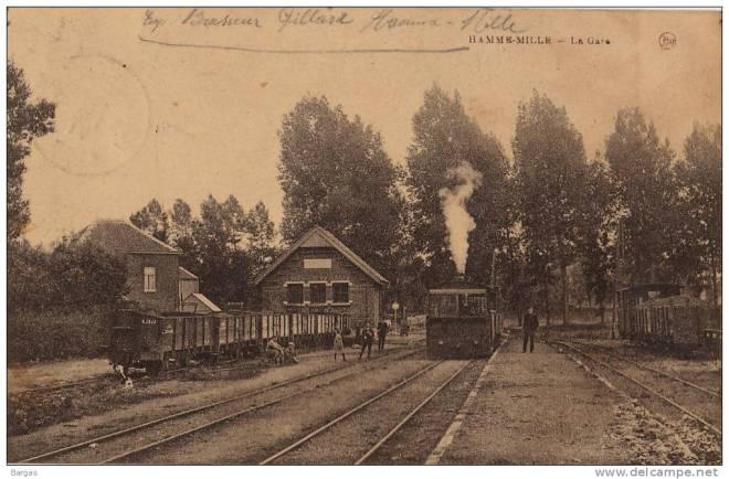 La gare à Hamme-Mille d'antan ... vue vers l'est.